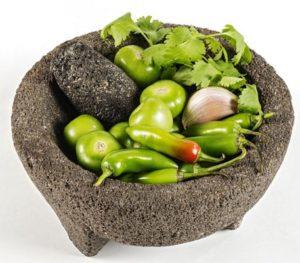 Salsa verde con chile serrano